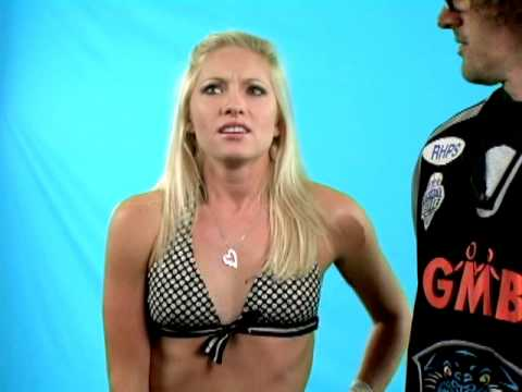 Comedy Time - Hot Girls and Earl: Surfer Girl
